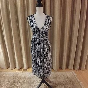 Veronica M sleeveless print dress- Like New